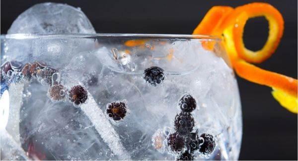 Dalla vodka al gin ecco come aumenteranno i consumi di Spiriti nel mercato mondiale entro il 2023