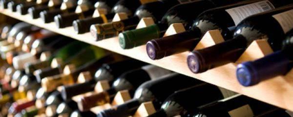 I tedeschi spendono in media 5 euro per bottiglia di vino. La ricerca di Ice Berlino