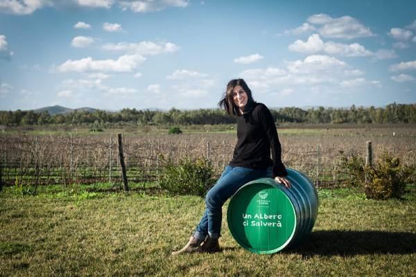 Le Donne del Vino celebrano la Festa della Donna colorando le botti di verde