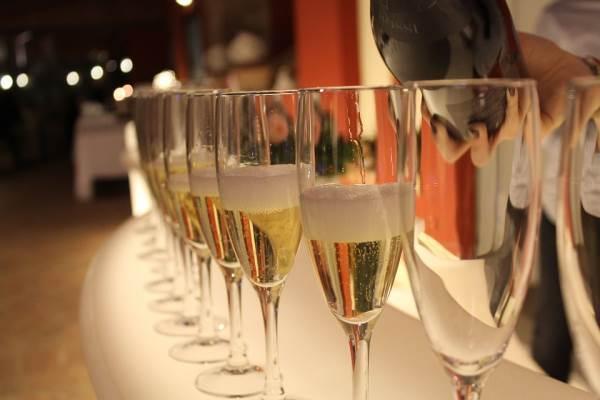Gli spumanti trainano l'export e in Russia vino italiano a +50%