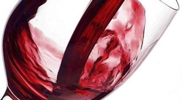 Rischio (forti) aumenti di accisa per il vino: domani l'Ecofin potrebbe dare il primo via libera