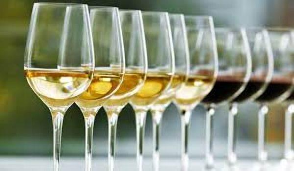 Aumento dell'Iva: cosa rischiano le aziende del vino
