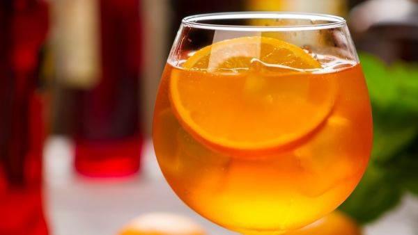 Ecco la lista dei cocktail più richiesti nel 2018, and the winner is...