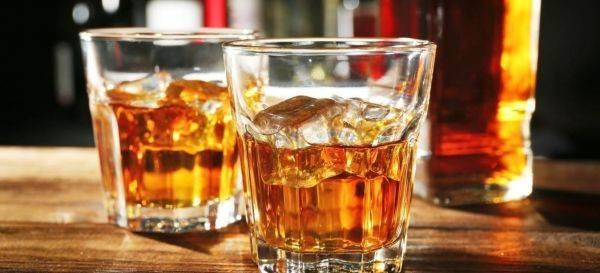 Le vendite di whisky nel Regno Unito dovrebbero raggiungere i 2,4 miliardi di sterline nei prossimi tre anni