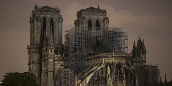 Mouton Rothschild dona 750mila sterline per il restauro di Notre Dame