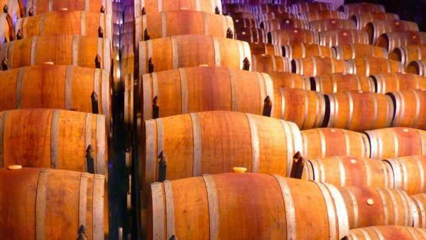 Cantina Italia, 35,9 milioni di ettolitri di vino in giacenza al 9 ottobre 2020