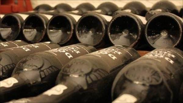 Sempre più vini inglesi e gallesi nella Cantina del governo britannico