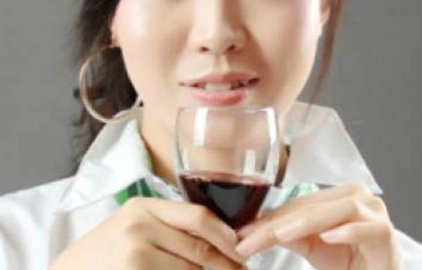 Sentenza storica contro la contraffazione di vini in Cina