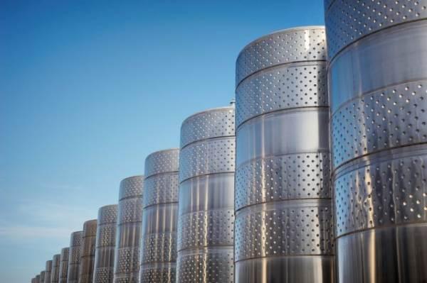 Aiuti post-Covid: Parigi stanzia 140 milioni per la distillazione