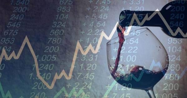"""Italia: mercati favorevoli, ma consumi """"in attesa"""" nel report di Confindustria"""