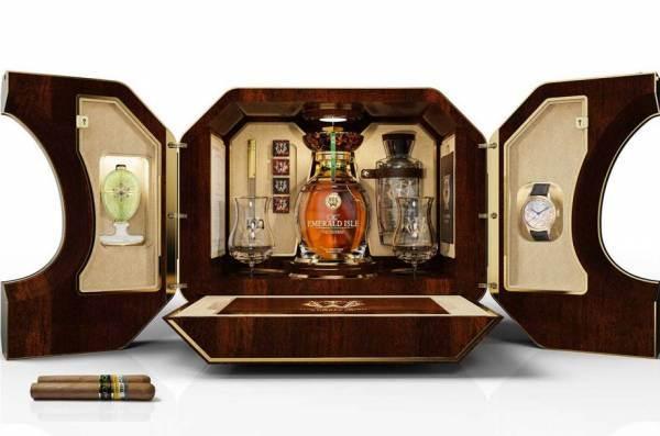 All'asta per 2 milioni $ un cofanetto deluxe di whisky irlandese e Fabergé