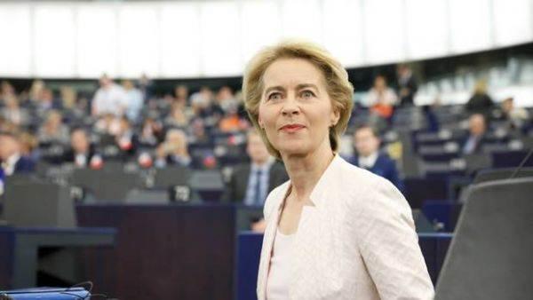 """Ursula von der Leyen presenta la sua """"squadra"""": Gentiloni all'Economia"""