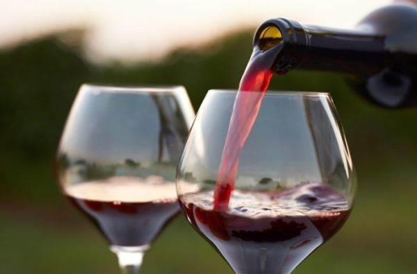 Effetti benefici del vino: lo studio del King's College di Londra