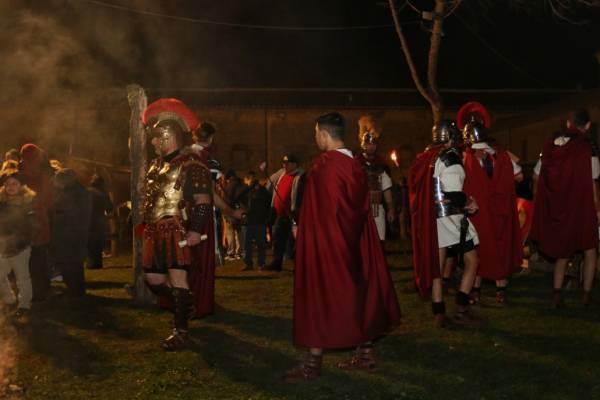 Fachiri, serpenti, giochi di fuoco a Tarquinia