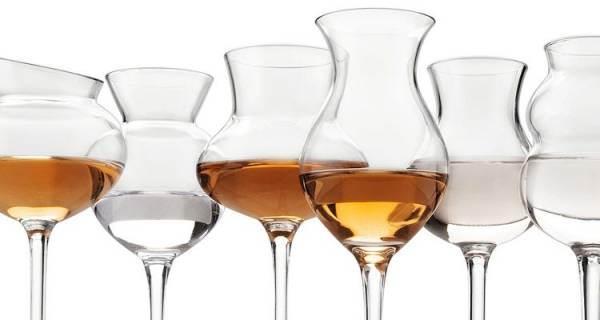 Export dei comparti alimentari dal 2015 al 2021: balzo per acquaviti e liquori (+89,5%)